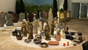 Wir führen Vasen, Schalen, Symbole und Figuren
